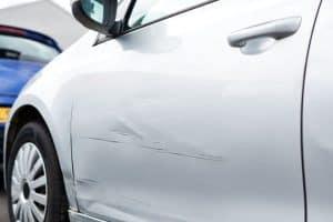 Lekko uszkodzone samochody z Niemiec